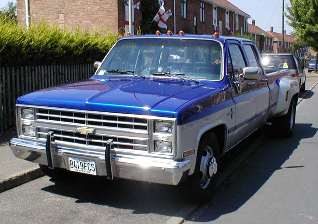 1985 Chevrolet Pickup Dually http://www.bigyellowtruck.me.uk/dually ... 1985 Chevy Truck Lowered